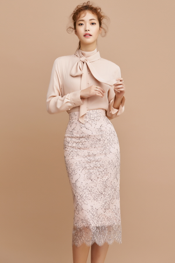 PINK TWO TONE LACE PENCIL SKIRT