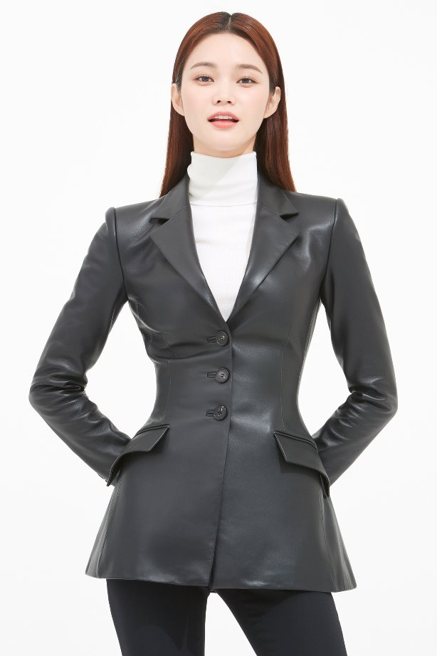 SLIM LINE TAILORED LEATHER JACKET